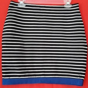 Ann Taylor Pencil Skirt Black & White Stripes S 6